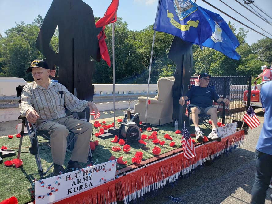 float2 - Another Fantastic Float Honoring Our Veterans and Military